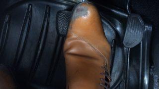 AT車で左足ブレーキ右足アクセルはあり?